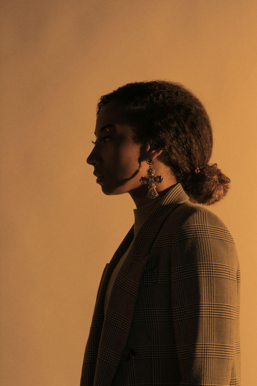 Fotografía de moda en estudio - Fotografía de accesorios de moda - Retrato fine art - Editorial Art Of Portrait