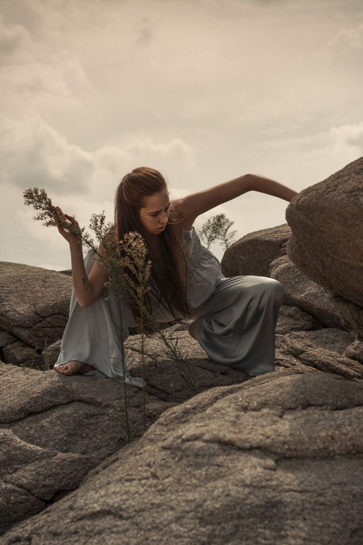 Directora de cine fine art - Videoclip original - New Fashion Film With Elena Ramírez